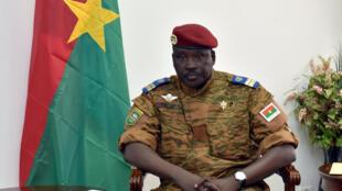Le lieutenant-colonel Isaac Zida à Ouagadougou, au Burkina Faso, le 14 novembre 2014.