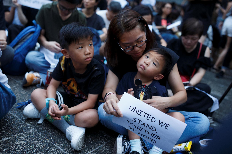 Các bà mẹ Hồng Kông biểu tình ủng hộ phong trào dân chủ của giới trẻ, ngày 05/07/2019.