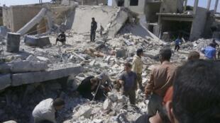 """نبردهای سنگین برای تصرف شهر """"قصیر""""، میان نیروهای بشار اسد و اپوزیسیون ادامه دارد."""