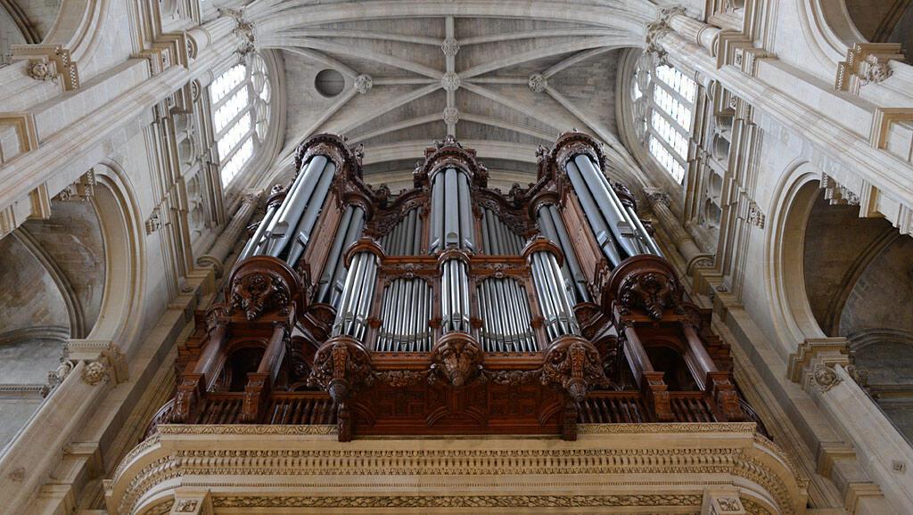 Đàn orgue trong nhà thờ Saint-Eustache.