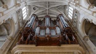 El órgano de la iglesia Saint-Eustache.