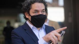 Gustavo Dudamel reemplazará al maestro Philippe Jordan en la Opera de París.