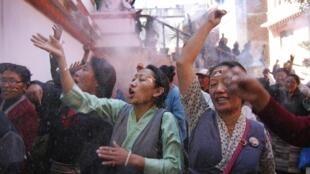 Ảnh tư liệu: Người Tây Tạng tại Kathmandu, Nepal, kỷ niệm cuộc nổi dậy ngày 10/03/1959 (Ảnh chụp ngày 10/03/2012)