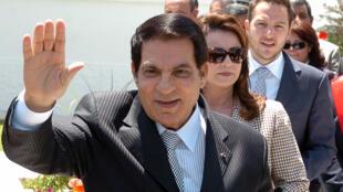 El presidente tunecino Zine el Abidine Ben Ali, el 9 de mayo de 2010 en Túnez, un año antes de haber sido derrocado del poder por una revuelta popular