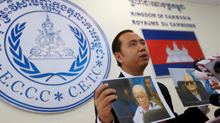 Портреты бывших лидеров «красных кхмеров» Кхиеу Сампхана и Нуона Чеа, признанных виновными в геноциде мусульманского меньшинства чанов и этнических вьетнамцев