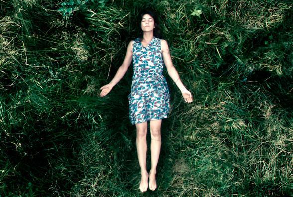 """Cartaz do festival de cinema """"Mil e uma florestas"""", do Fórum das Imagens de Paris."""
