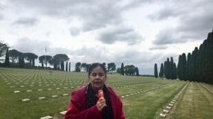 Bà Brigitte Sabattini, giảng viên đại học Aix-Marseille, tại nghĩa trang quân đội Luynes, ngoại ô Aix-en-Provence, tháng 06/2019.
