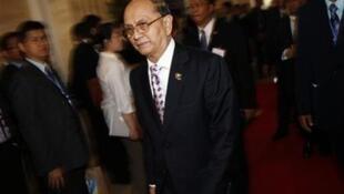 Tổng thống Miến Điện sẽ công du ba hay bốn nước châu Âu vào giữa tháng Bảy (Reuters /D. Sagolj)