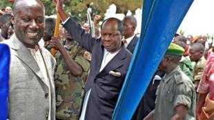 Le roi des Baganda, Ronal Muwenda Mutebi (C), lors de sa visite à Kampala, en Ouganda, le 10 septembre 2009.