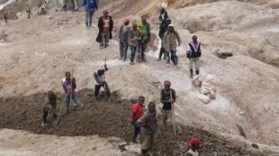 Une mine de cassitérite du Nord-Kivu, contrôlée en 2013 par des miliciens.