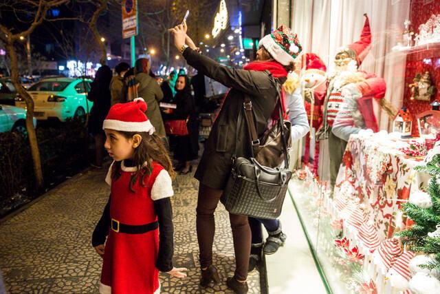 کریسمس در یکی از خیابانهای تهران