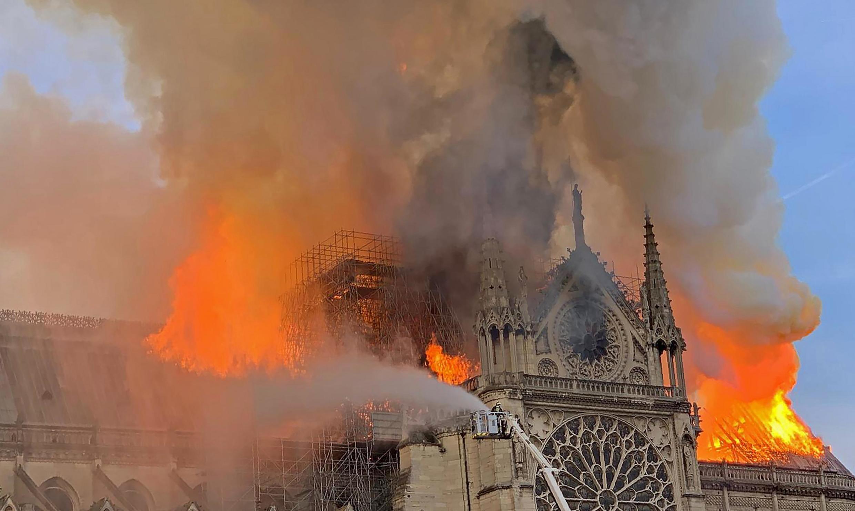 Nhà Thờ Đức Bà Paris bị hỏa hoạn, ngày 15/04/2019