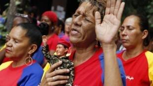 L'ambiance jusqu'à présent à Caracas dans les rangs chavistes était faite d'anxiété et de recueillement.