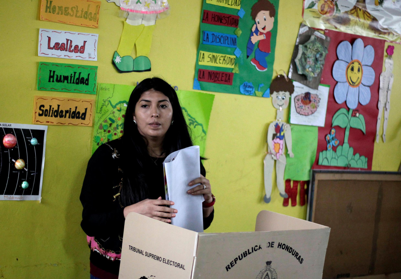Mesa de voto em Tegucigalpa, capital do Honduras, a 26 Novembro de 2017.