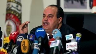 Le ministre tunisien de l'Intérieur, Najem Gharsalli, lors de la conférence de presse, à Tunis, le 26 mars 2015.