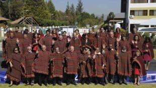 Representantes dos países-membros da Organização dos Estados Americanos se reuniram para foto em Cochabamba, na Bolívia, nesta segunda-feira.