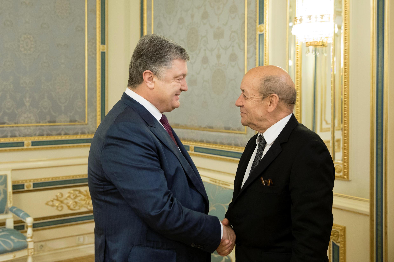 Президент Украины Петр Порошенко и Жан-Ив Ле Дриан в Киеве, 22 марта 2018 г.