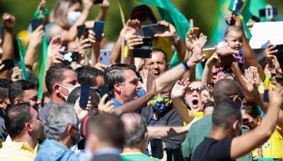Le président Jair Bolsonaro participe à un rassemblement de ses supporteurs, à Brasilia.