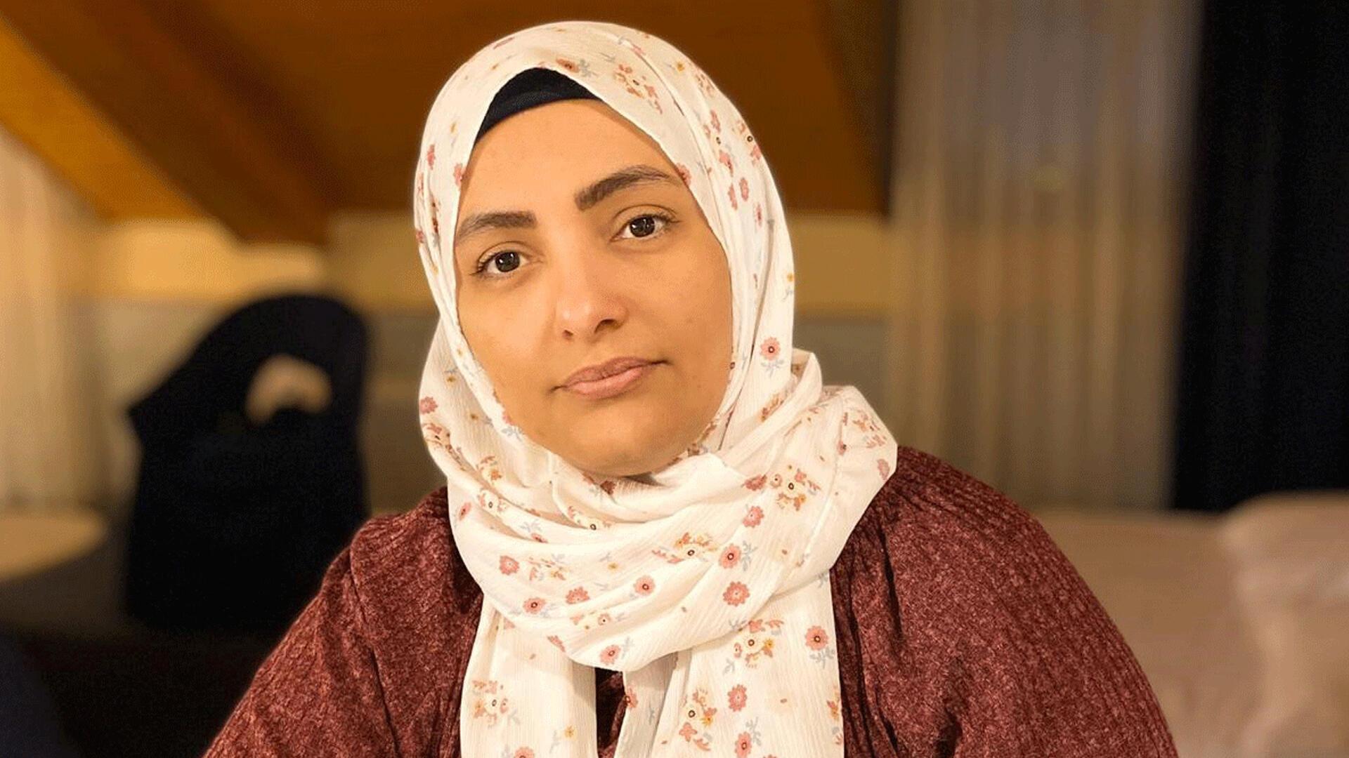 Huda Al-Sarari, lauréate 2020 du Prix Martin Ennals des droits de l'Homme, pour son enquête sur les prisons secrètes des Emirats Arabes Unis dans la région d'Aden.