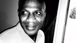 Né à Mayotte en 1981, Nassuf Djailani est poète, romancier et dramaturge.