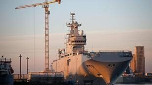 The Mistral-class helicopter carrier Vladivostok at the Chantiers de l'Atlantique shipyard in Saint-Nazaire