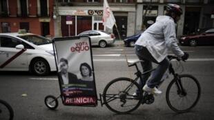 Une affiche du nouveau parti Equo, le parti des écologistes et qui reprend les revendications des «indignés». Photo le 13 novembre 2011 à Madrid.