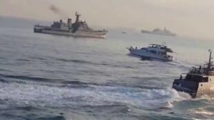 Ảnh chụp màn hình Youtube. Đợt tập trận hải quân chung đa phương năm 2014.