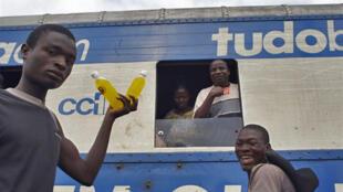Alunos moçambicanos privados de exames poderão ter vir a ter acesso aos mesmos.