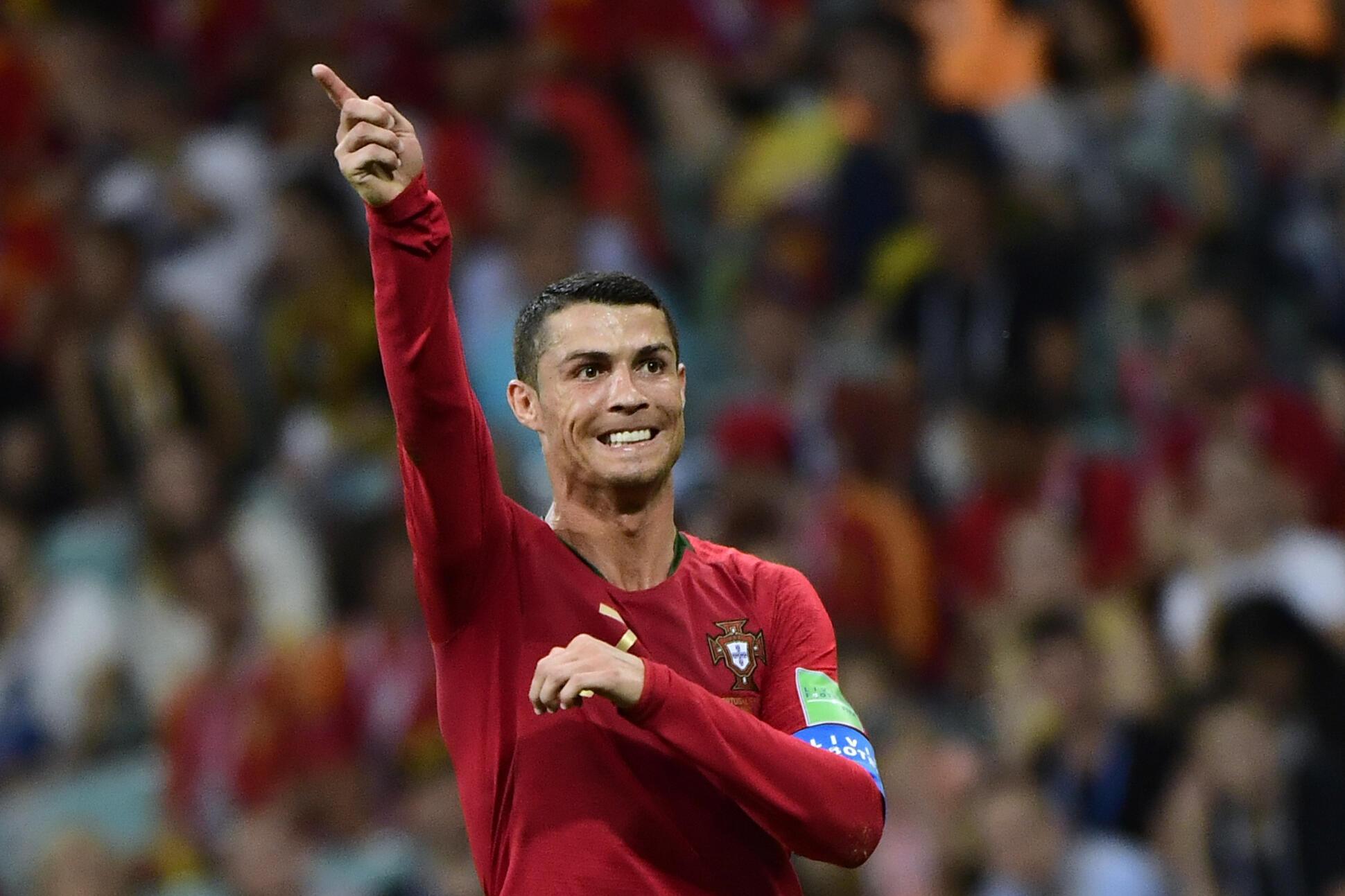 Cristiano Ronaldo, autor de um 'hat-trick' contra Espanha