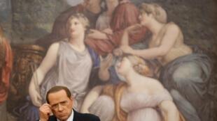 Silvio Berlusconi akubali kushindwa kura ya maoni