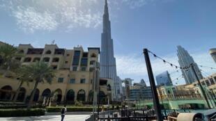 Un centre commercial de Dubaï déserté par les touristes le 3 mai 2020.