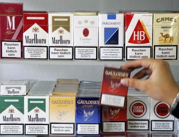 Embalagens de cigarros vendidos na França.