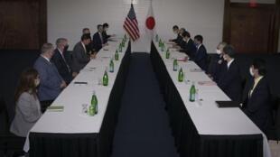 Phái đoàn quân sự Mỹ - Nhật, do hai bộ trưởng Quốc Phòng dẫn đầu, hội đàm tại căn cứ không quân Anderson, Guam, ngày 29/08/2020.