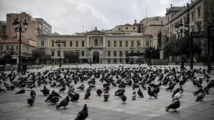 В понедельник, 23 марта, к списку стран, где ввели тотальный карантин, добавилась Греция.