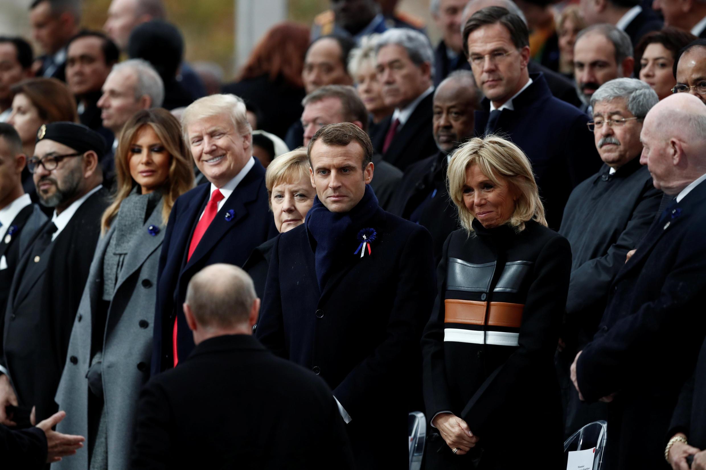 Слева направо: Дональд Трамп, Ангела Меркель, Эмманюэль и Брижит Макрон, Владимир Путин 11 ноября 2018 г. в Париже