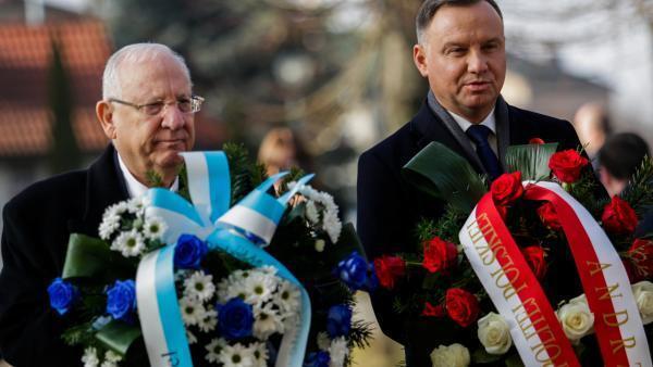 Les présidents polonais Andrzej Duda et israélien Reuven Rivlin, lundi 27 janvier, lors des cérémonies de commémoration de la libération du camp de concentration d'Auschwitz.