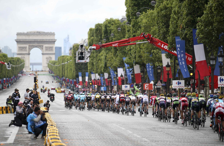 """Финальный этап """"Тур де Франс"""" в Париже. 26 июля 2015"""