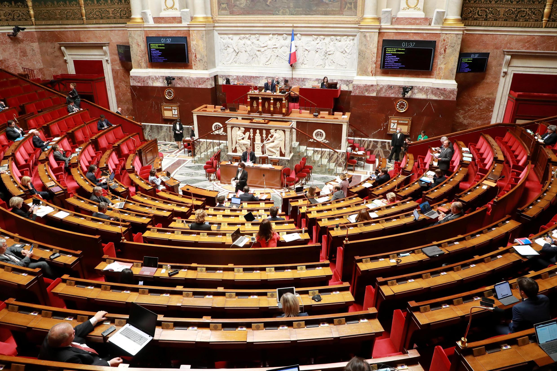 Toàn cảnh một cuộc thảo luận tại Quốc Hội Pháp về tình hình dịch Covid-19, Paris, ngày 07/05/2020