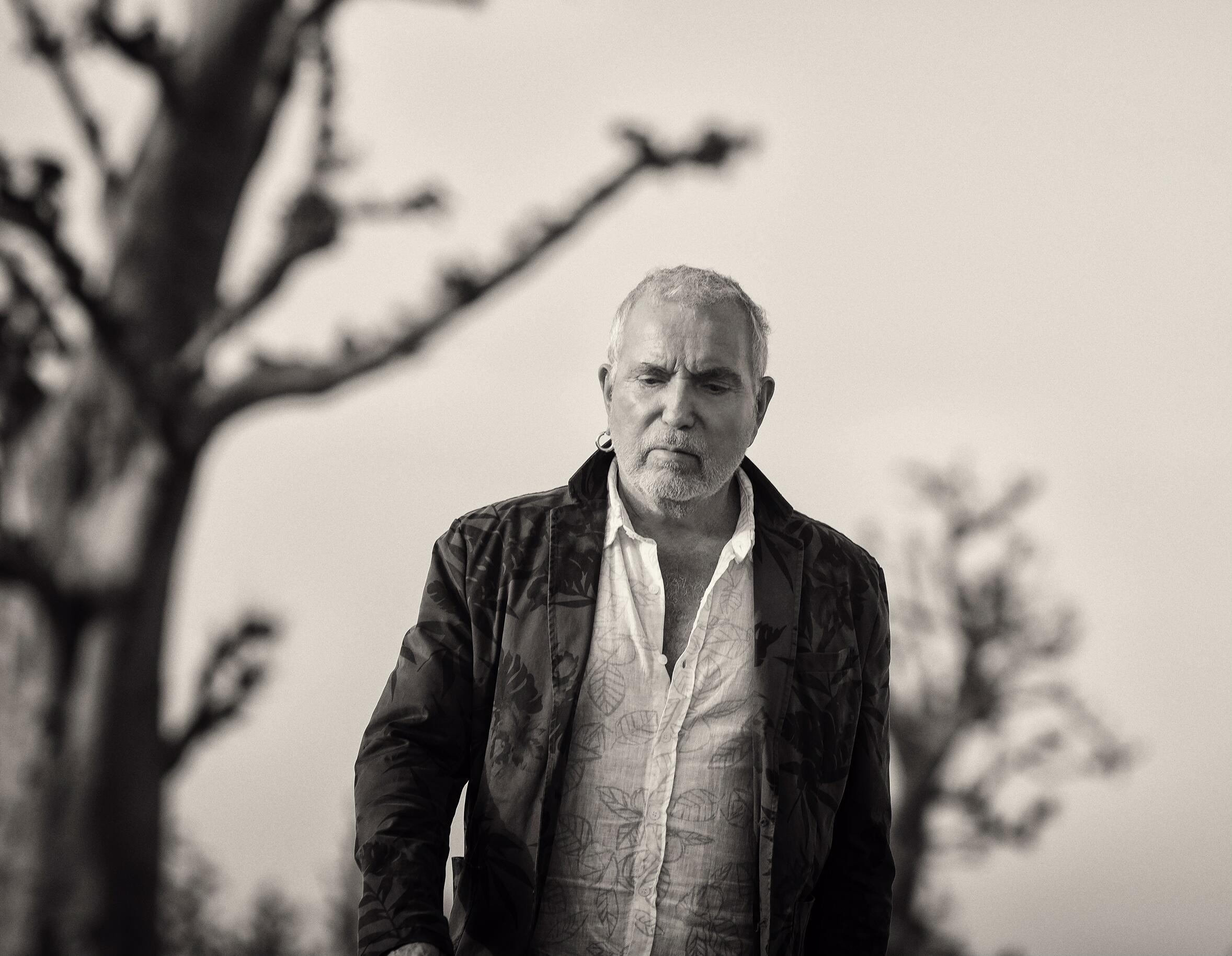 Bernard Lavilliers revient avec un nouvel album «5 minutes au paradis», label Barclay.