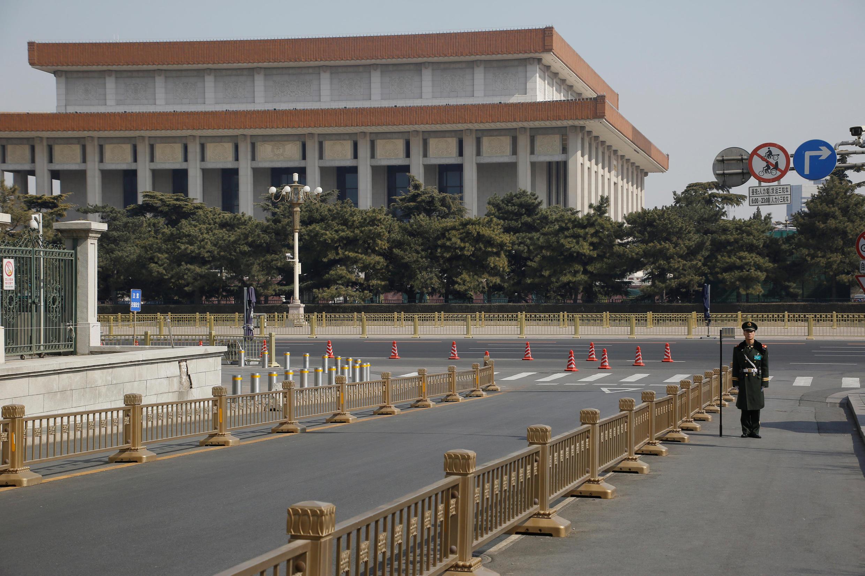 2018年中国政协人大两会召开在即,北京人大会堂前空旷无人。摄于2018年3月2日.