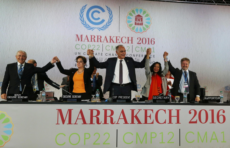 A la tribune de la COP22, le 17 novembre 2016 à Marrakech (Maroc).