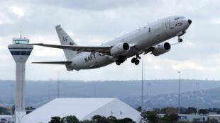 Máy bay trinh sát P-8 Poseidon của Hải quân Mỹ  tham gia đợt tìm kiếm máy bay mất tích MH 370 của Malaysia Airlines  hồi tháng 4 năm 2014.