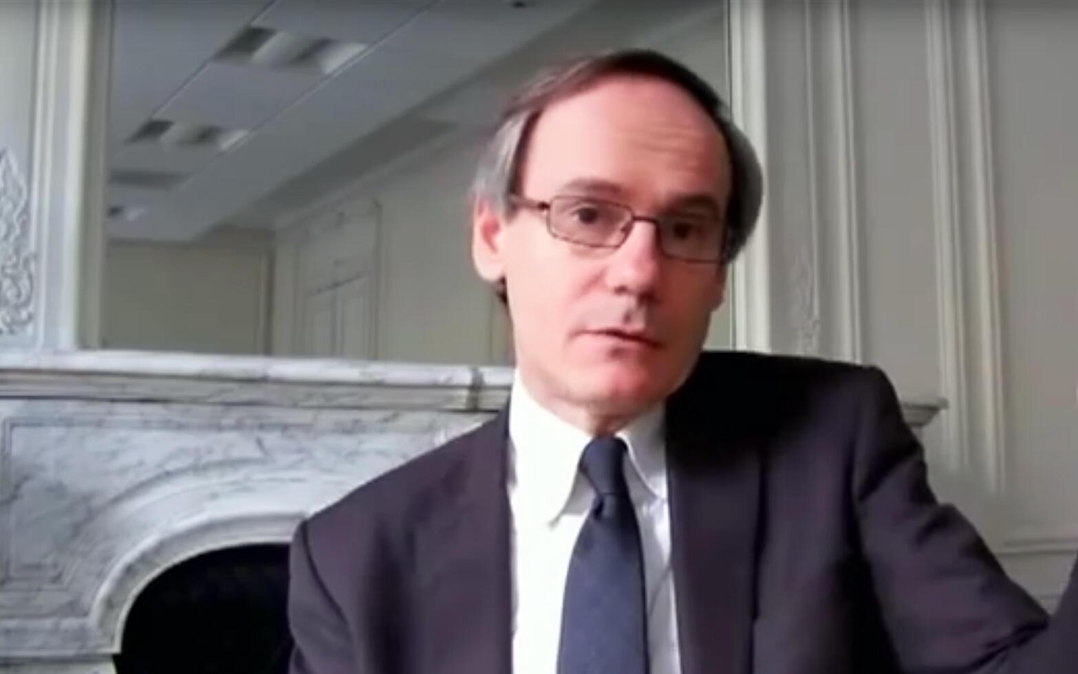 Pierre Barrot.