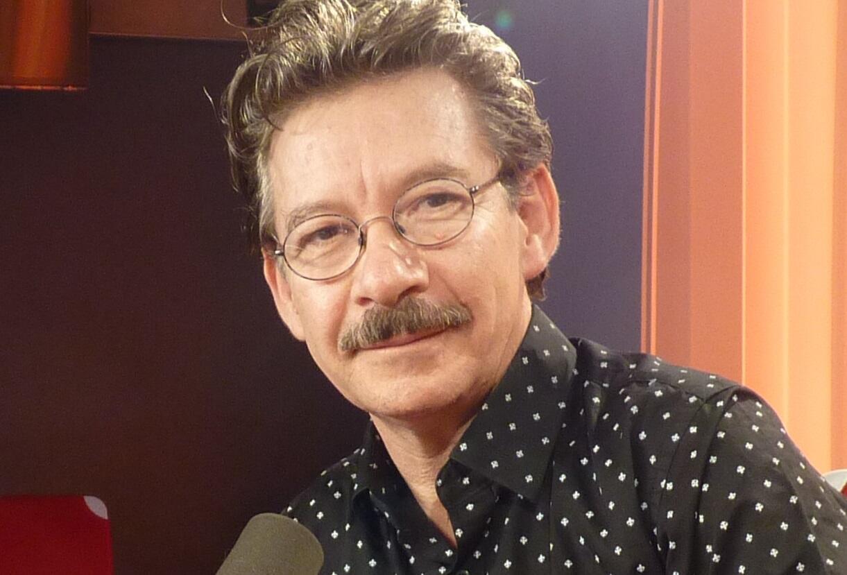 Marcos malavia en los estudios de RFI