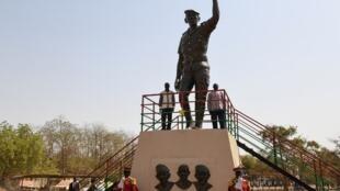 La statue géante de Thomas Sankara inaugurée ce samedi 2 mars à Ouagadougou.