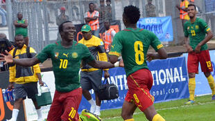 Les Camerounais Vincent Aboubacar (à gauche) et Benjamin Moukandjo (de dos).