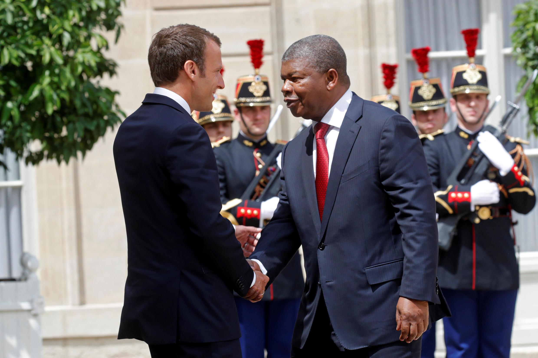 Presidente francês Emmanuel Macron recebe o homólogo angolano João Lourenço, a 28 de Maio de  2018.