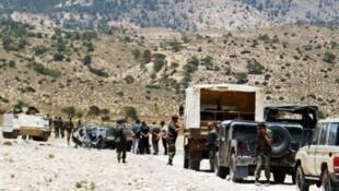ارتش تونس از سحرگاه امروز حمله گسترده ای را علیه مواضع تروریست ها ی فعال در نزدیکی مرز این کشور با الجزایر آغاز کرده است.