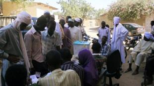 Opération de vote au Tchad.