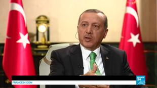 Presidente turco concede entrevista exclusiva ao canal France24.